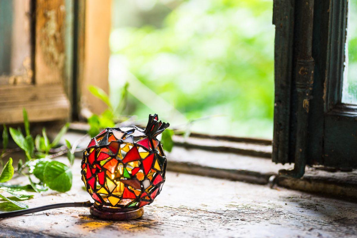 Lampy witrażowe – dla kogo?
