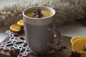 Aromatyczne przyprawy do jesiennej herbaty