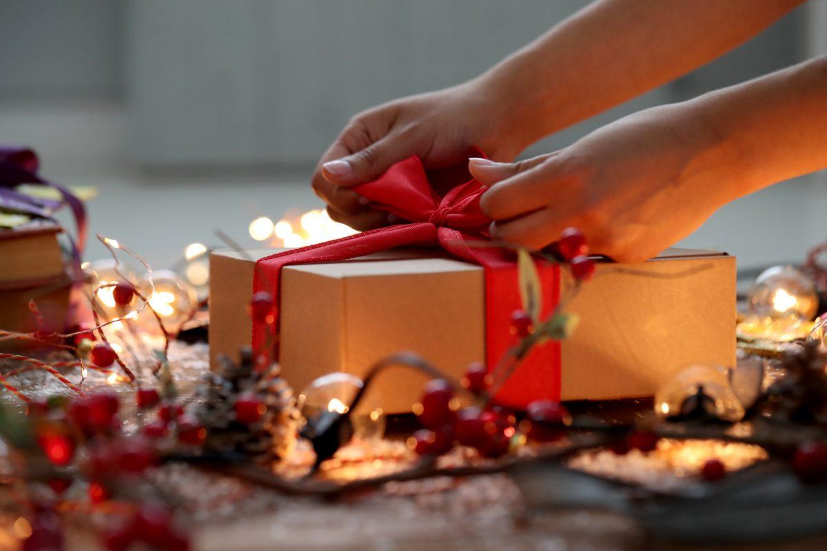 5 sposobów na pakowanie prezentów