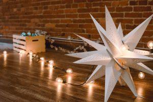 Gwiazda z papieru. Jak ją wykonać krok po kroku?