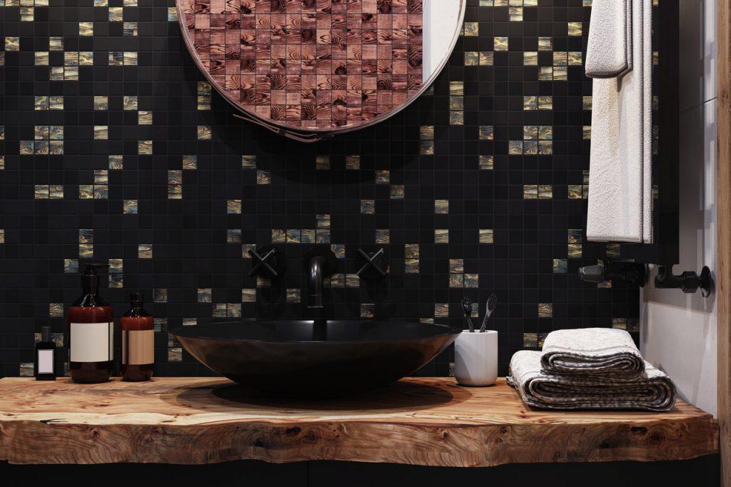 czarna mozaika w łazience