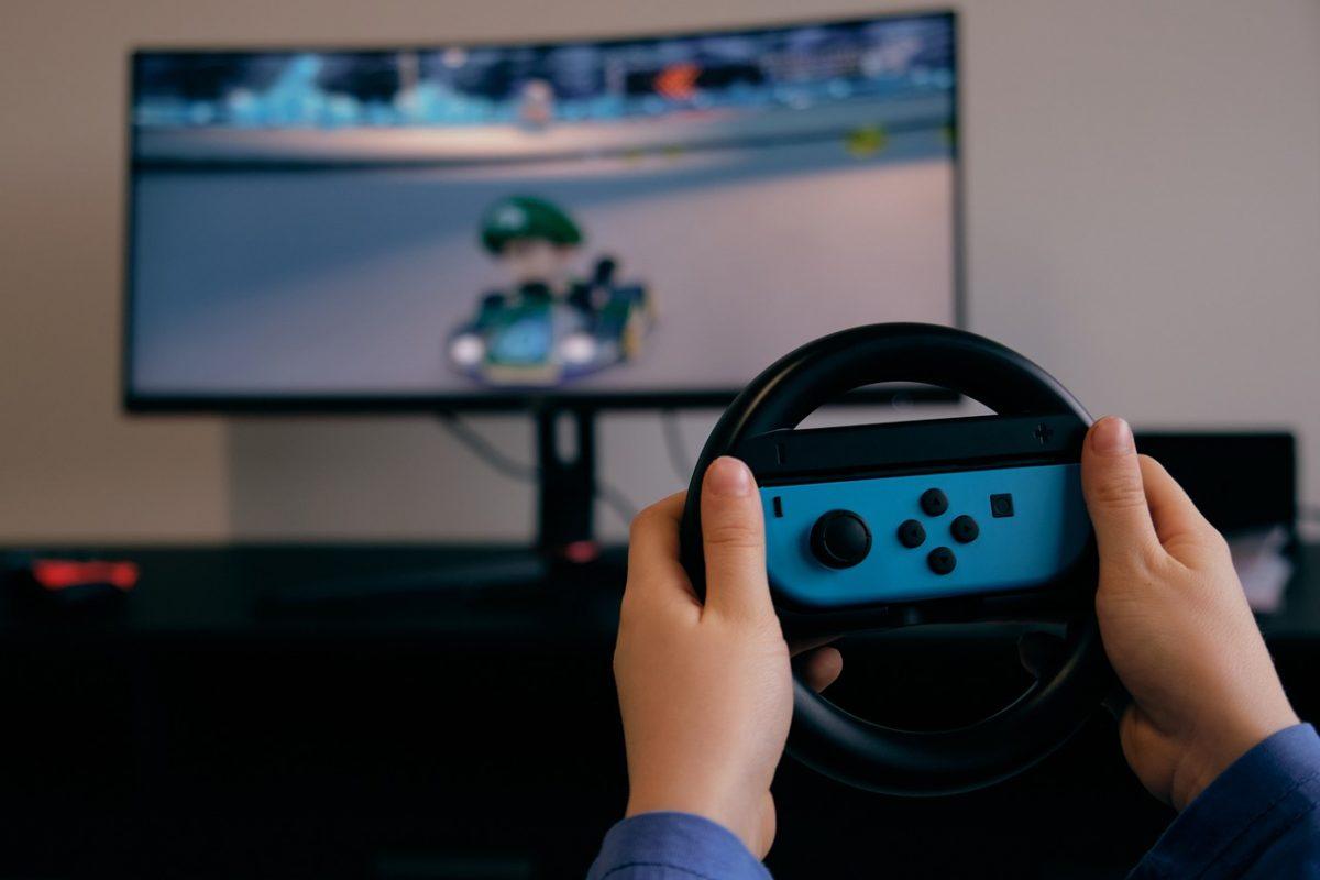 Praktyczne prezenty dla miłośnika gier komputerowych