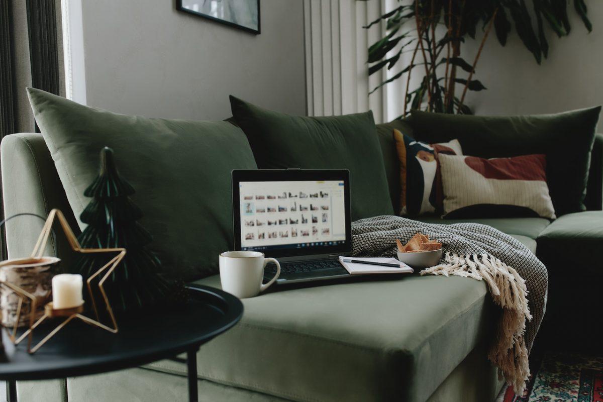 Firma Vox otwiera salon w internecie