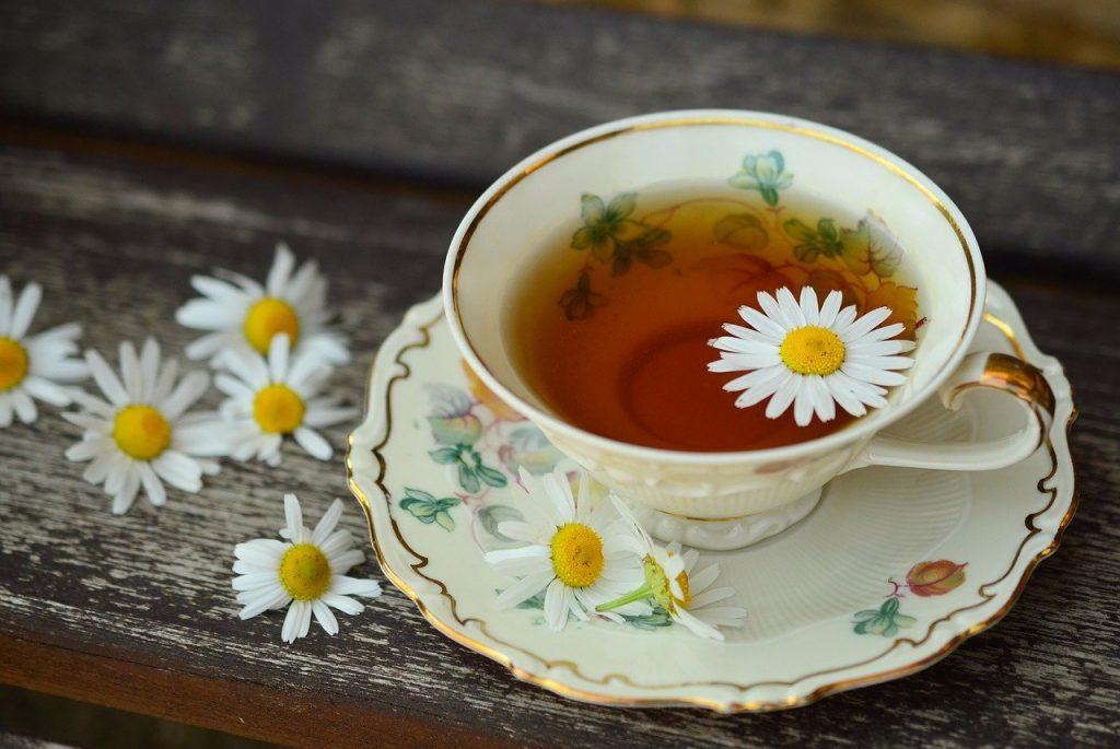 filiżanka z herbatą