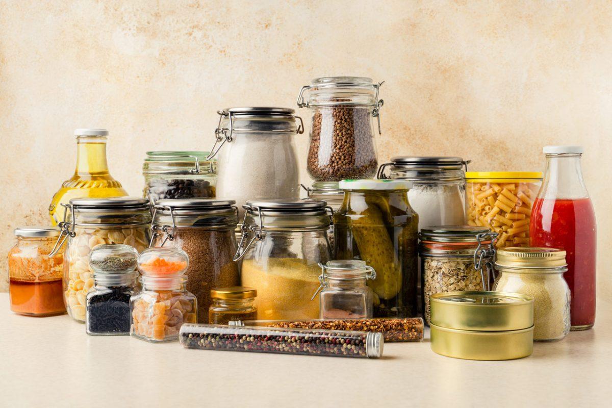 Pojemniki na żywność w kuchni