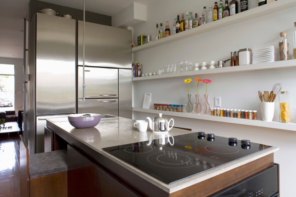 Kuchnia dobrze zorganizowana. Szuflady, schowki, pojemniki