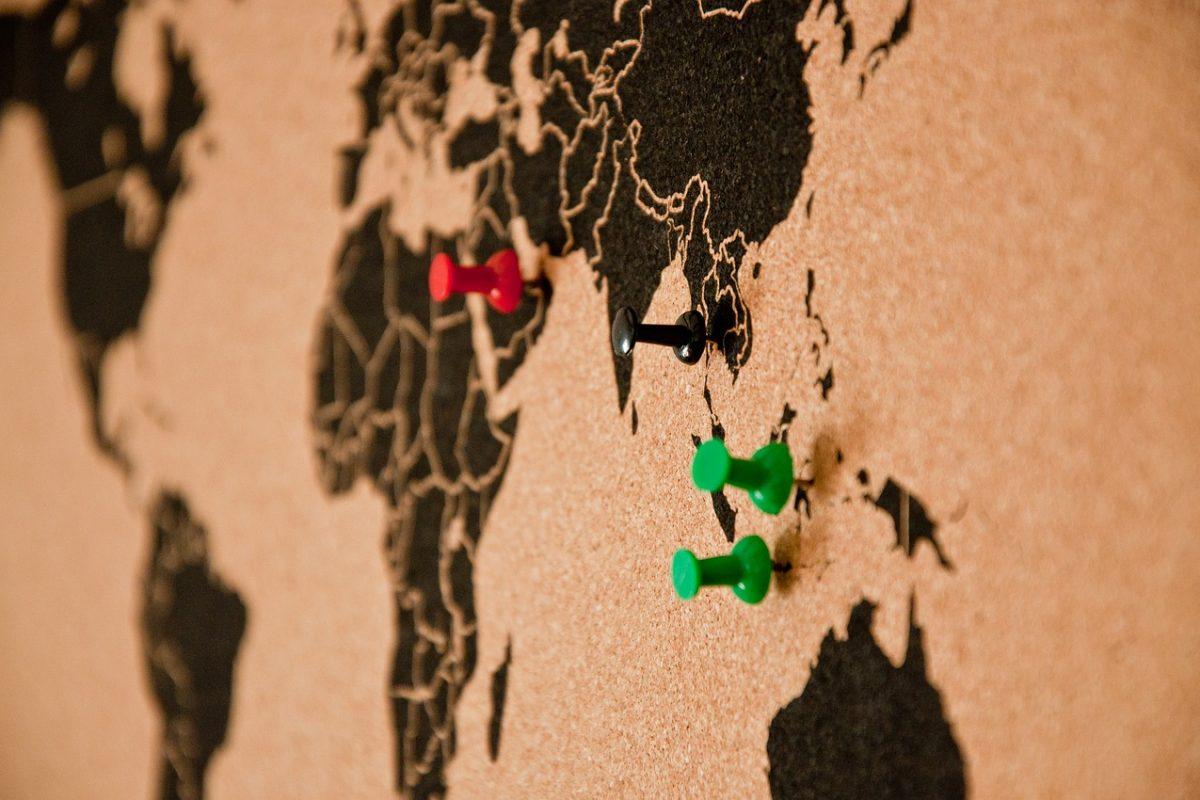 Mapy ścienne. Wyjątkowa dekoracja pasująca do każdego stylu