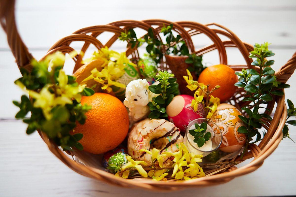 Co powinien zawierać tradycyjny koszyczek Wielkanocny?