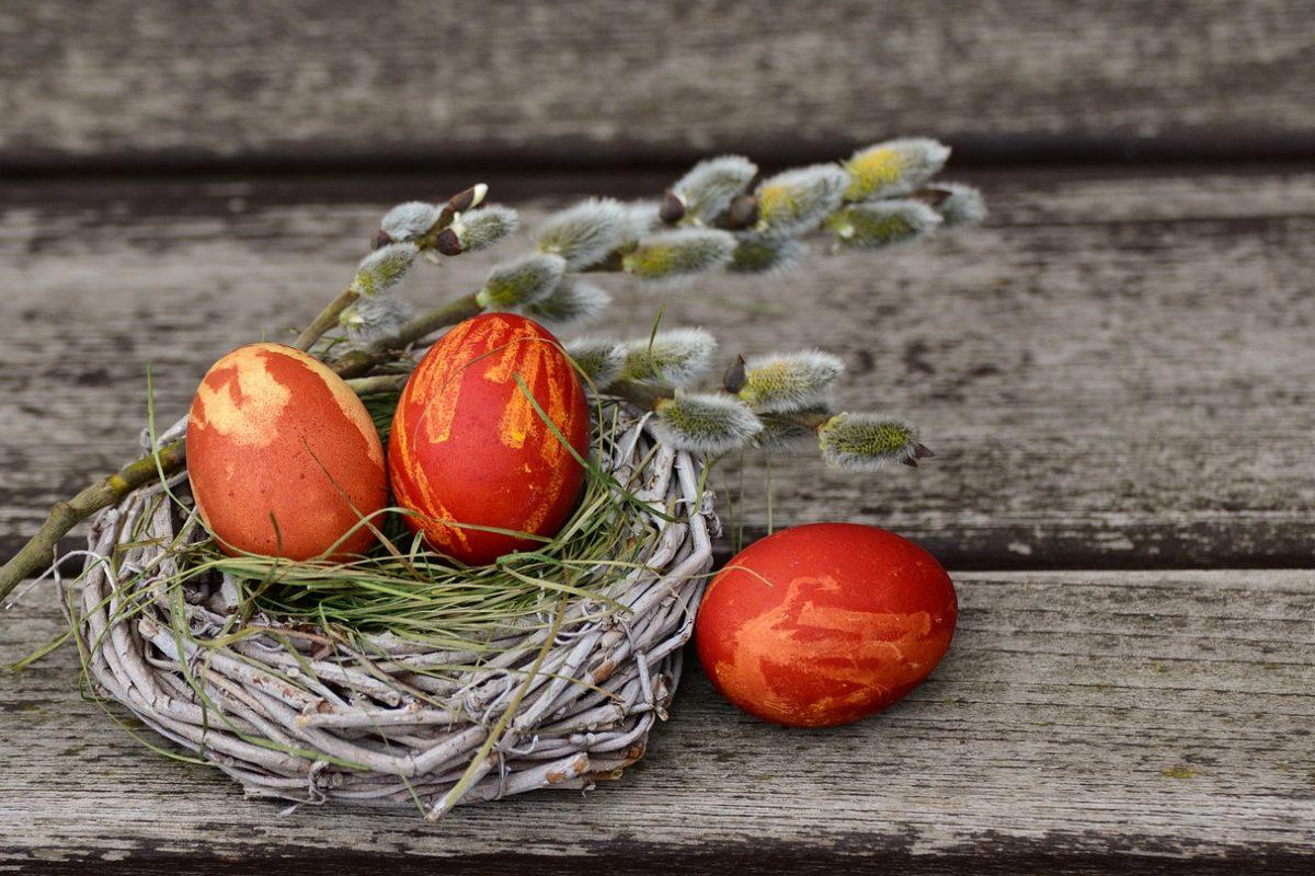 Naturalnie piękne! Sposoby dekorowania jajek bez chemii
