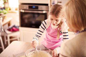 Jak zrobić masę solną? Zabawy z dziećmi
