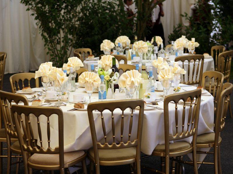 3 pomysły na udekorowanie stołu na przyjęcie urodzinowe
